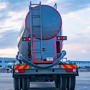 Cement-Bulker-Trailer--Unloading-Hoses---2-Bar-Pressure