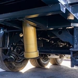 Middle-Telescopic-Cylinder-on-MEtal-Scrap-Tipper-Trailer